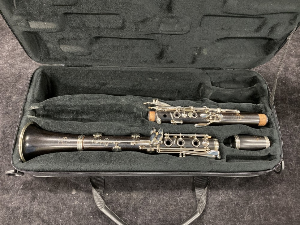 Photo Exc Condition Buffet Crampon Paris R13 Clarinet in A - Serial # 239430