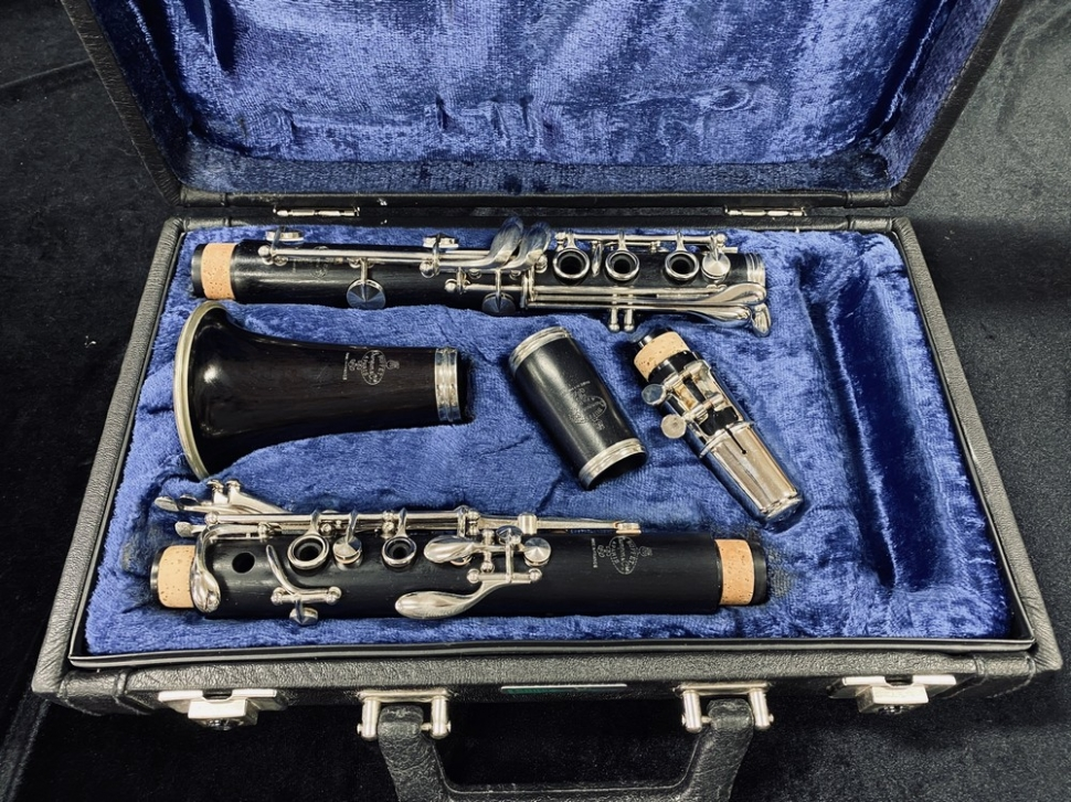 Photo Recently Repadded Buffet R13 Series Bb Clarinet - Serial # 202445