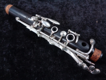 Photo Later Vintage Buffet Paris R13 Series Bb Clarinet - Serial # 481804