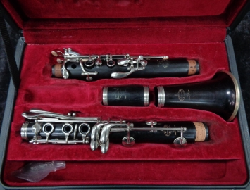 Photo Lightly Used Buffet Paris R13 Series Bb Clarinet - Serial # 513927