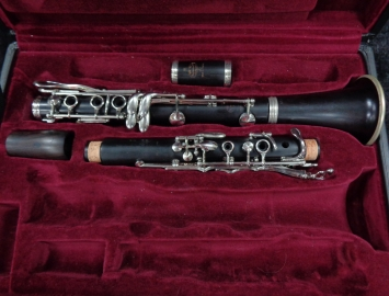 Photo Professional Buffet R13 A Clarinet - LOW PRICE - Serial # 565233