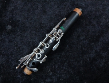 Photo Pristine Condition Buffet R13 Greenline Bb Clarinet - Serial # 450798