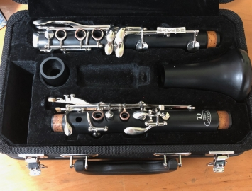 Photo Lightly Used Backun Alpha Bb Clarinet with Nickel Key Work