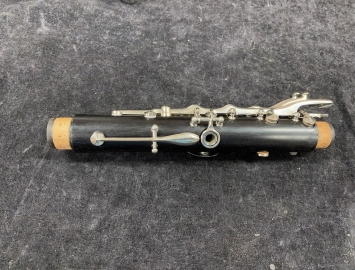 Photo Mid 70's Vintage Buffet Paris R13 Grenadilla Wood Clarinet with New Pads