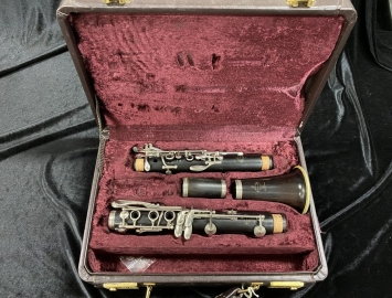 Photo Late 80s Series Buffet Paris R13 Clarinet with New Pads - Serial # 301589