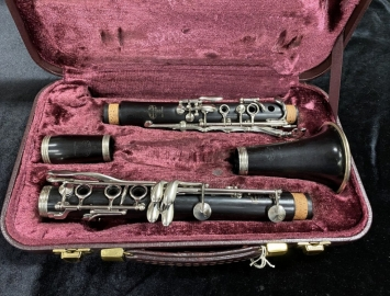 Photo Grenadilla Wood Buffet R13 Professional Bb Clarinet - New Pads - Serial # 272928