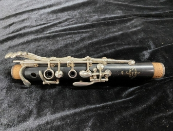 Photo Great Price - Intermediate Model Wood Buffet E11 Bb Clarinet - Serial # 608960