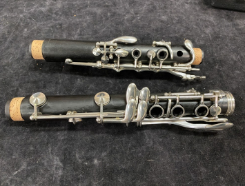 Photo German-made Buffet E11 Bb Clarinet with R13 Barrel - New Pads! - Serial # 1001691