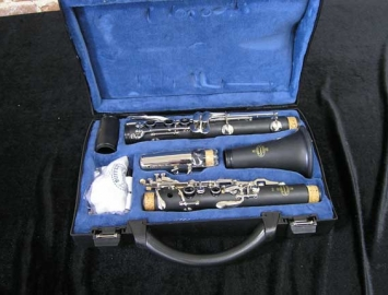 Photo New Buffet B10 Student Bb Clarinet