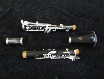 Photo Vintage Bb Pedler Clarinet with Original Case, Serial Number P11172